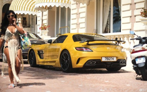2880-1800-crop-mercedes-benz-sls-amg-black-series-c344615102018103654_1.jpg