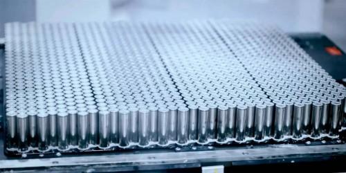 celdas-baterias-Panasonic-Tesla.jpg